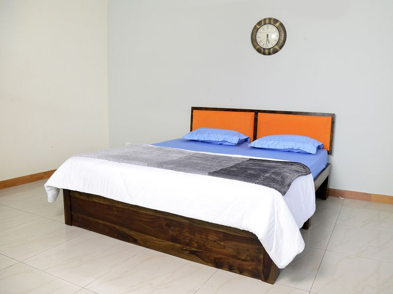 Vesta King Bed